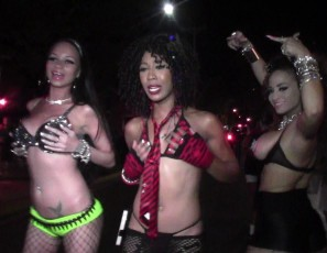 content/010914_party_at_fantasy_fest_a_full_day_with_hot_strippers/1.jpg