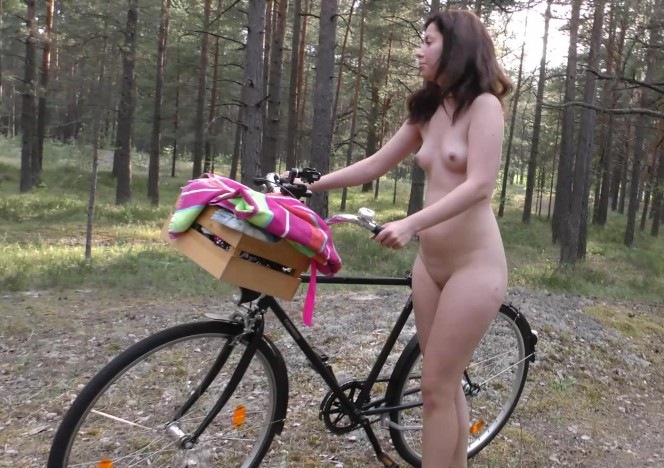 content/041117_virgin_sharlote_riding_a_bike_naked_in_the_forest_then_anal_dildo_fun/0.jpg