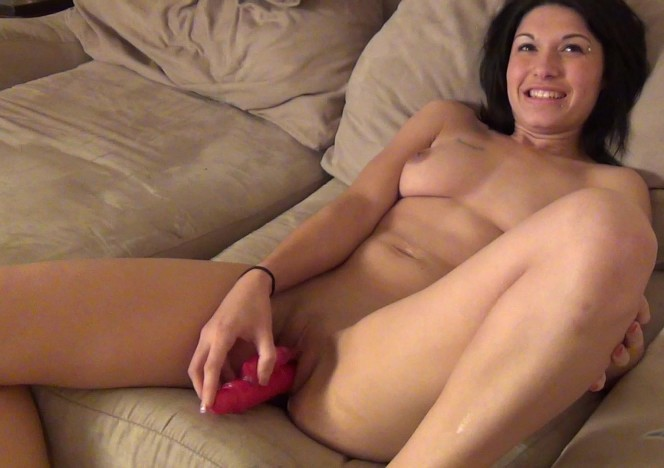 content/050614_alicia_from_wisconsin_is_back_this_time_trying_a_dildo_for_the_first_time/0.jpg