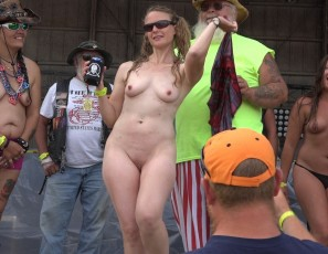 content/093016_huge_amateur_wet_t_contest_at_abate_of_iowa_2016/3.jpg