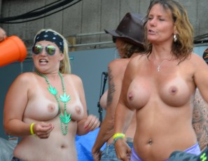 Share your pussy at biker rally casually found