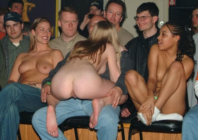 girls strip at amateur night